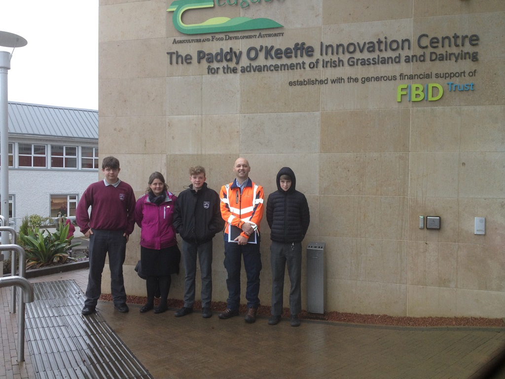 Left to right: Asa Curran, Dr Larissa Kelly, Tiarnan Kelly, John Casey (Teagasc Forester) and Jack Ryan-Purcell on the visit of the Teagasc prize winners at BT Young Scientist to Teagasc Moorepark. The students and their teacher are from Schull Community College, Co Cork.
