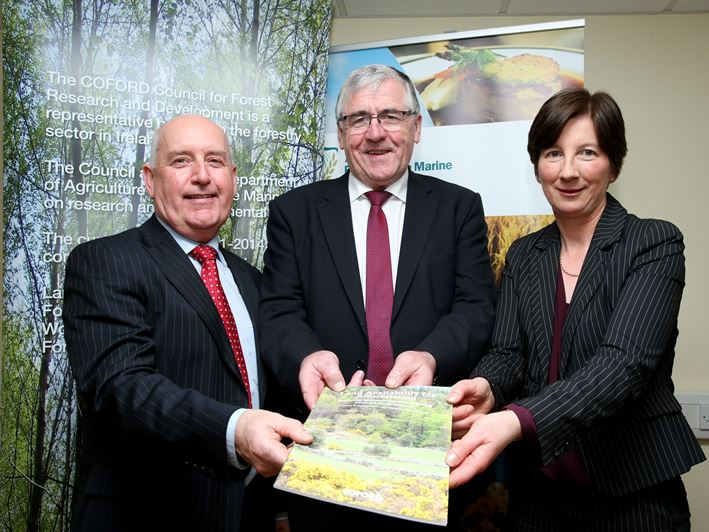 14 January 2016: Launch of the COFORD report  Land Availability for Afforestation - Exploring opportunities for expanding Ireland's forest resource. From left to right: Michael Lynn, Chairman of COFORD; Tom Hayes, Minister of State for Forestry and Dr Nuala NiFhlatharta, Head of Forestry Development Department Teagasc.