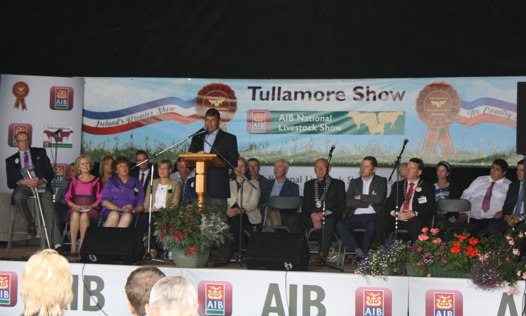 Andrew Doyle TD, Minister of State at the Department of Agriculture, Food and the Marine opens this year's Tullamore Show