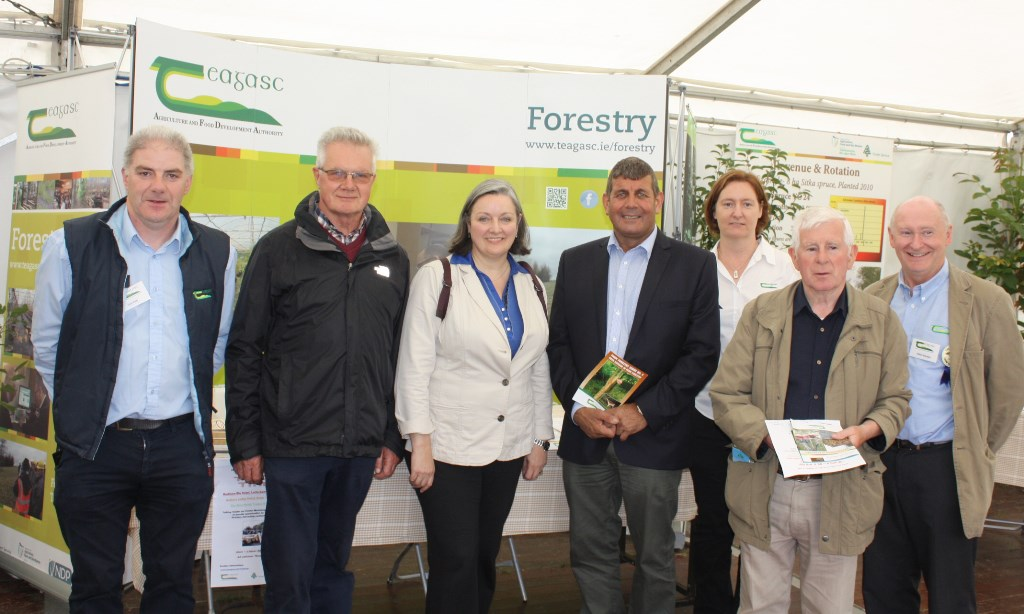 Liam Kelly, Frances McHugh and Oliver Sheridan, Teagasc with Ministers of State Andrew Doyle TD and Marcella Corcoran Kennedy TD together with visitors at the Teagasc Forestry stand