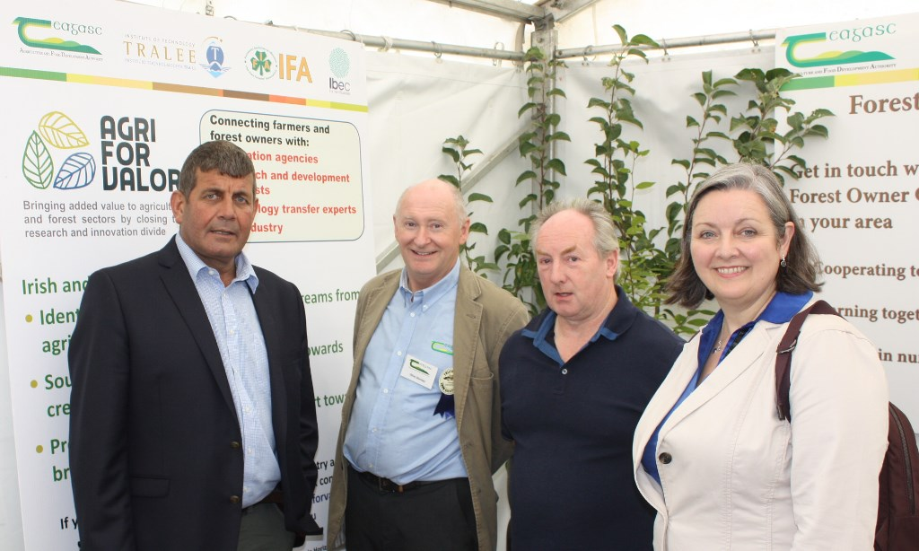 Oliver Sheridan, Teagasc researcher with Ministers of State Andrew Doyle TD and Marcella Corcoran Kennedy TD at the AGRIFORVALOR project stand